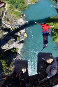 Bungee Jumping gehört mit zu den Aktivitäten in Neuseeland
