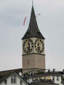 Bekannte Zürich Sehenswürdigkeit - St. Peter